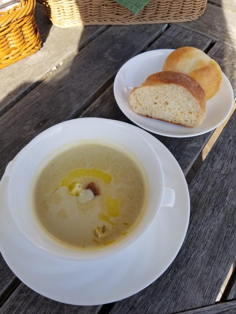 スープ(パン付き)