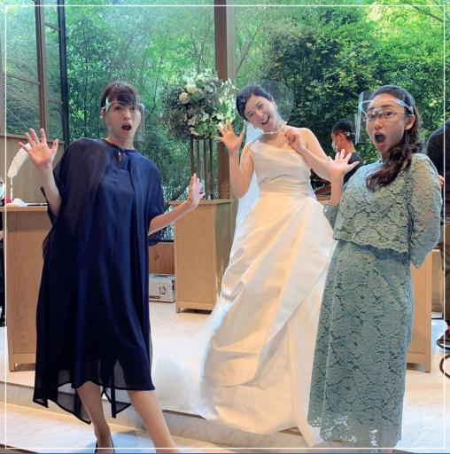 吉高由里子ウェディングドレス写真(オフショット)2