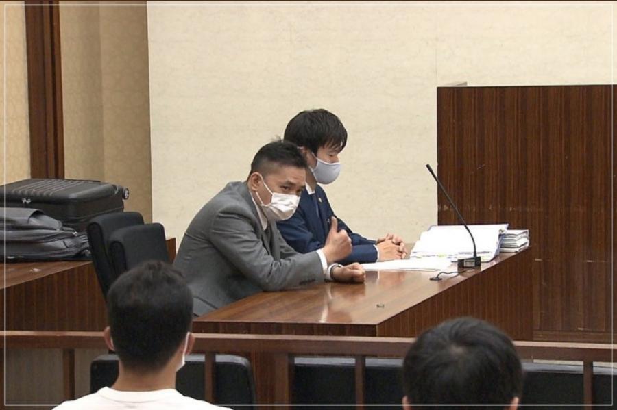 法廷に出廷する太田光さん